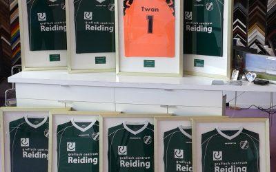Voetbalshirt inlijsten