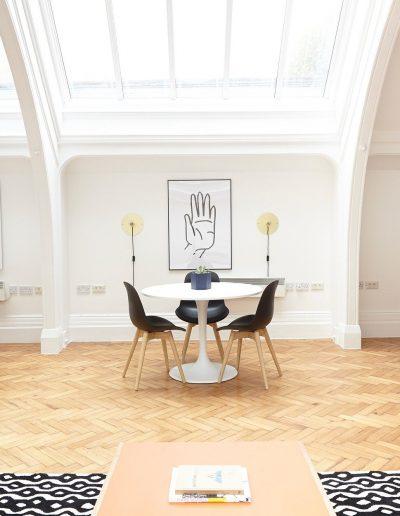 Lijsten boven design tafel